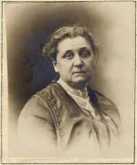 Jane Addams, circa 1915<br/><small>Jane Addams Collection,<br/>Swarthmore College Peace Collection</small>