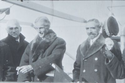 Henry Ford (center), onboard the Oscar II sailing to Norway<br/>for an arbitration conference of neutral nations, 1915<br/><small>Henry Ford Peace Expedition Records, Swarthmore College Peace Collection</small>