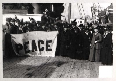 U.S. Delegation to the International Congress of Women<br/>for a Permanent Peace, 1915<br/><small>Women's International League for Peace and Freedom Records,<br/>Swarthmore College Peace Collection</small>