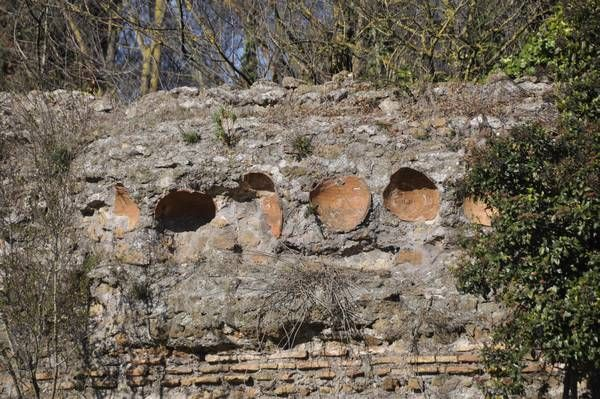 """Amphorae used to lighten weight of vaulting in Circus of Maxentius.<br><font size=""""-2"""">Photo used with permission of Livius.Org (www.livius.org).</font><br><br>"""